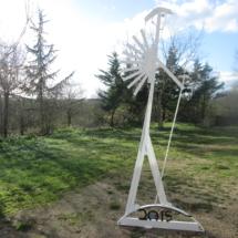 sculpture randonneur blanc